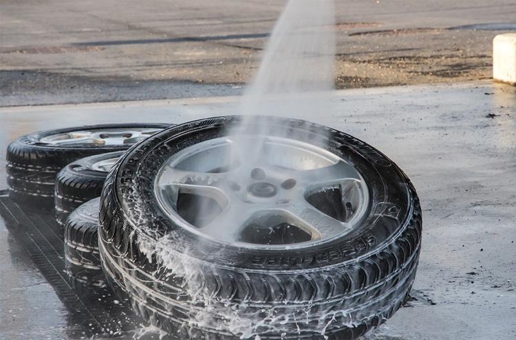 Tutorial c mo pulir tus llantas de aluminio para coche selcus wheels - Pulir llantas de aluminio a espejo ...